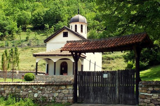 Manastir Manatirce