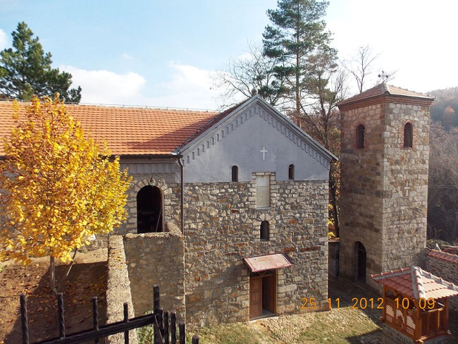 Manastir Devic