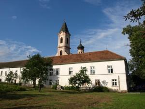Manastir Fenek